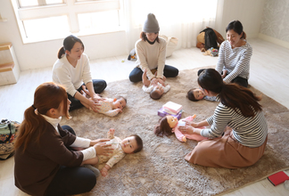 【 親子の絆を深める 〜ベビーマッサージ〜の開催 】